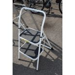 SMALL DOMESTIC 2-STEP STEPLADDER
