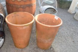 PAIR OF TERRACOTTA PLANT POTS, HEIGHT 30CM