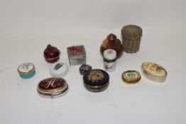 Mixed lot various trinket and pill boxes, to include 20th century Limoges porcelain example, various
