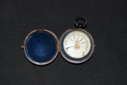 Late 19th/early 20th century travel pocket barometer of plain rectangular form with annotated