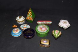 Collection of Limoges and other French porcelain and enamel decorated pill and trinket boxes to