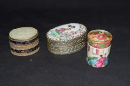 Mixed lot of small Chinese Canton covered jar of cylindrical form, together with a further small