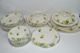 Quantity of Wedgwood dinner wares in Art Deco style comprising six dinner plates, side plates, two