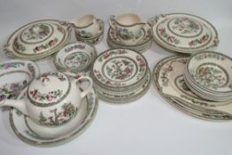 Extensive quantity of Johnson Bros tea and dinner wares all decorated in the Indian Tree pattern
