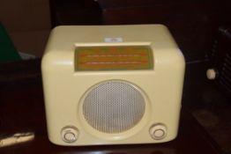 Bush DAC 90A cream Bakelite cased radio, 30cm wide