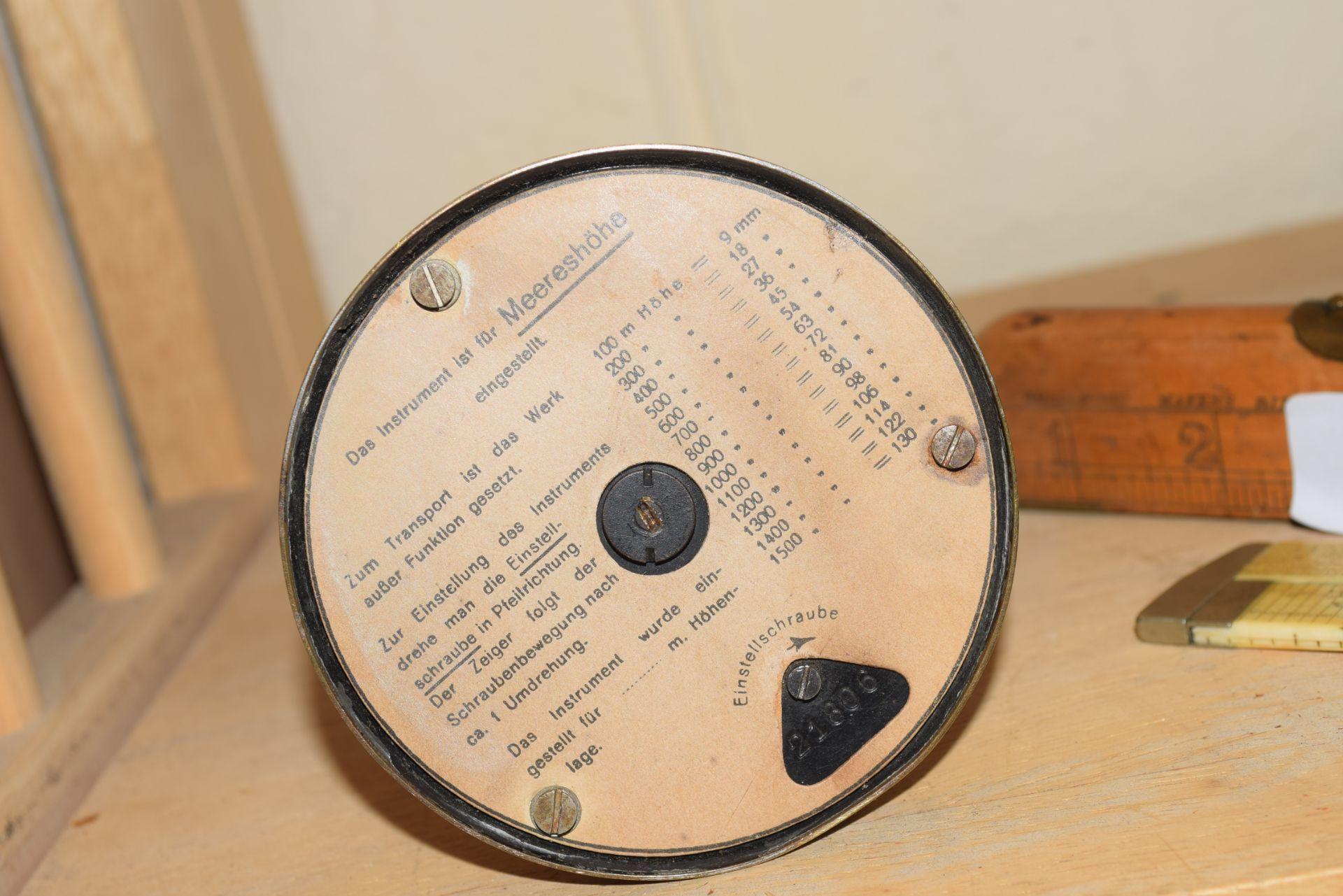 C P Goerz Berlin, early 20th century brass mounted desk barometer, 17cm high - Image 4 of 4
