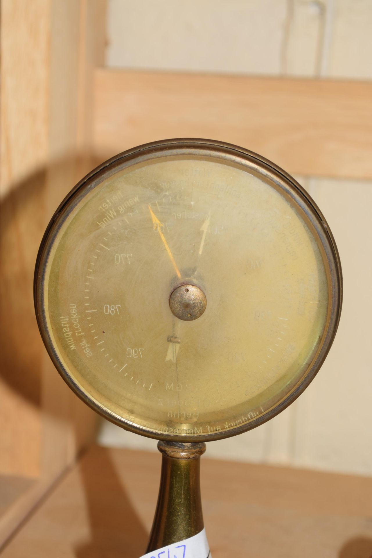 C P Goerz Berlin, early 20th century brass mounted desk barometer, 17cm high - Image 3 of 4