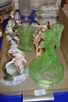 TRAY OF MIXED LATE 19TH AND EARLY 20TH CENTURY FIGURES AND FIGURE GROUPS, A URANIUM GLASS BASE ETC