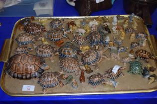 COLLECTION OF WADE WHIMSIES AND WADE TORTOISES