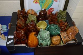 LARGE COLLECTION OF 20TH CENTURY POTTERY MONEY BOXES AND COVERED JARS FORMED AS OWLS TO INCLUDE