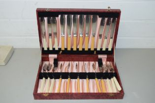 CASE OF FISH CUTLERY PLUS FURTHER CASED PEEREDGE STAINLESS STEEL KNIVES