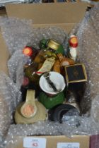 BOX OF MIXED MINIATURES BOTTLES OF SPIRITS TO INCLUDE BELLS SCOTCH WHISKY