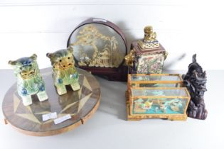 MIXED LOT OF CHINESE AND ORIENTAL WARES COMPRISING A CORK DIORAMA IN GLAZED CASE, TWO FURTHER