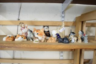 COLLECTION OF SMALL CAT ORNAMENTS TO INCLUDE MIKE HINTON EXAMPLES, WADE WHIMSIES ETC