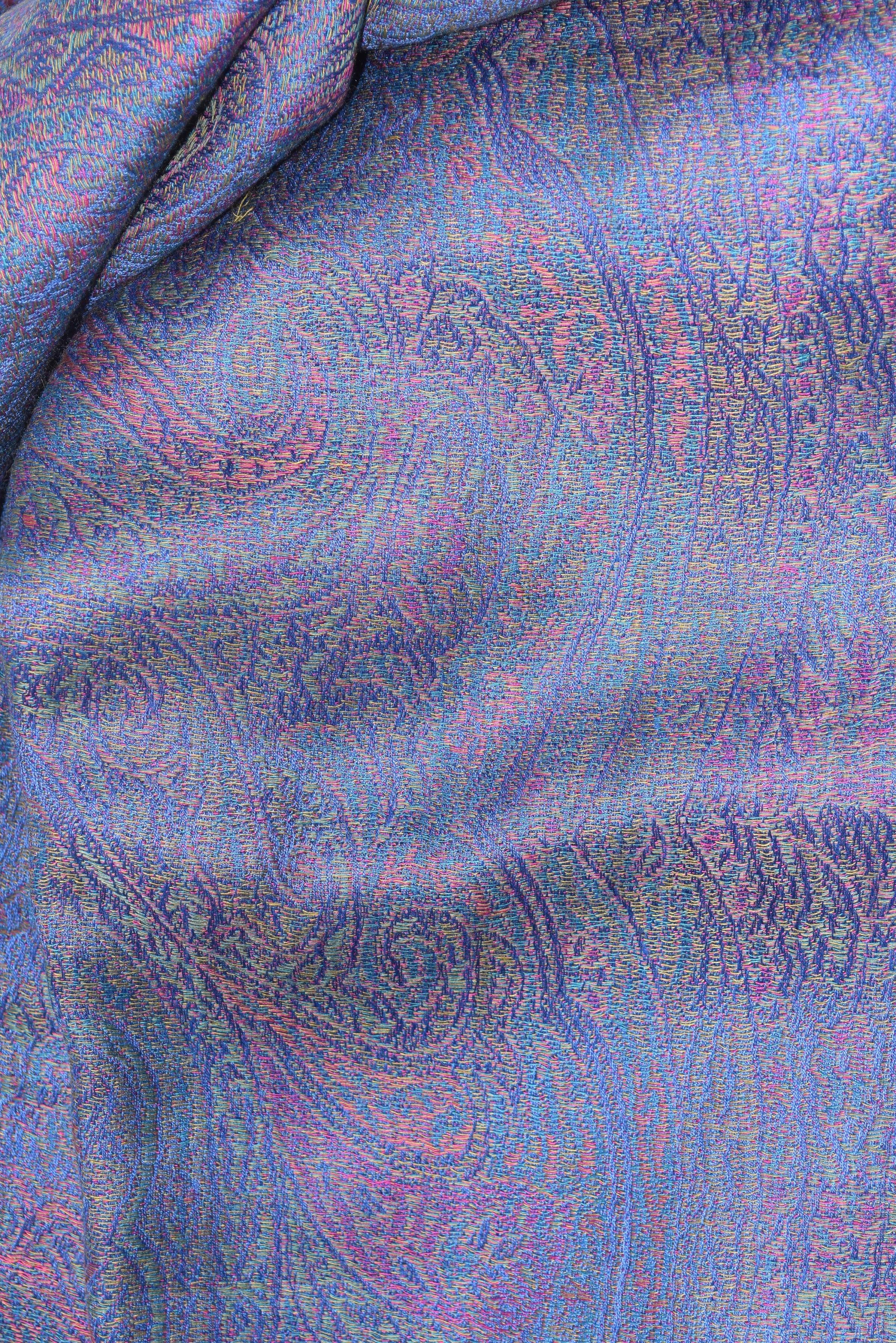 Large wool and silk Paisley shawl - Image 3 of 3
