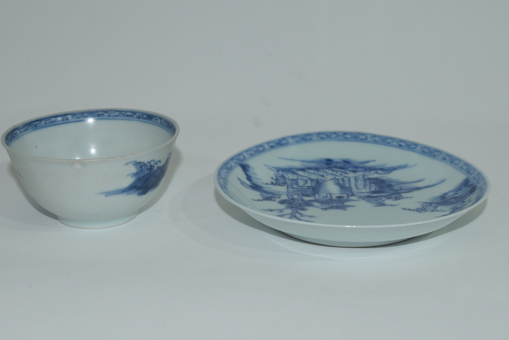 18th century Chinese porcelain Nanking Cargo tea bowl and saucer - Image 7 of 15