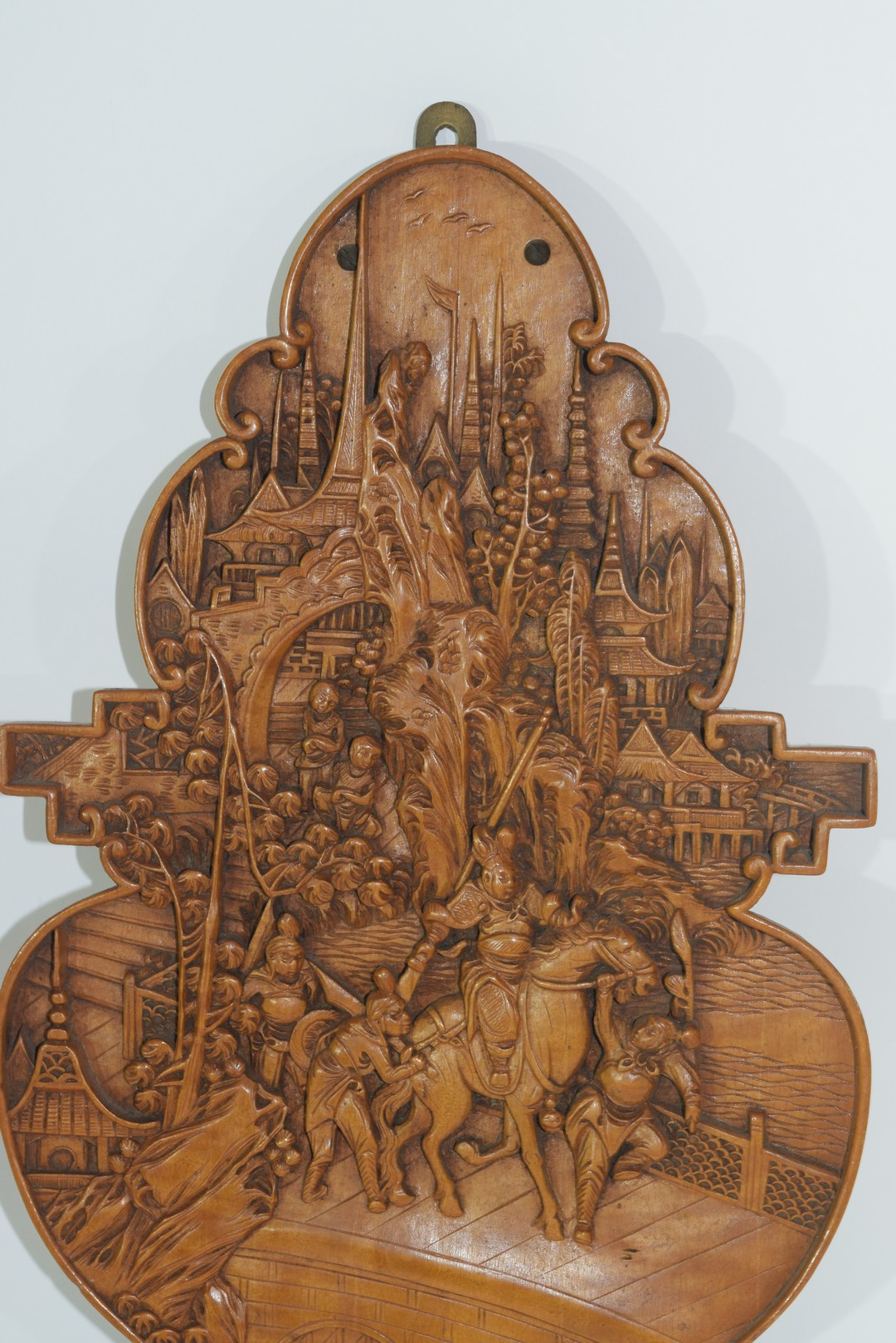Small Oriental wooden plaque - Image 2 of 4