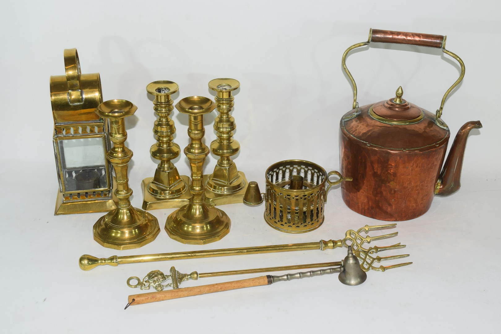 Mixed Lot of copper and brass wares comprising a Victorian warming pan, a kettle, two pairs of - Image 3 of 12