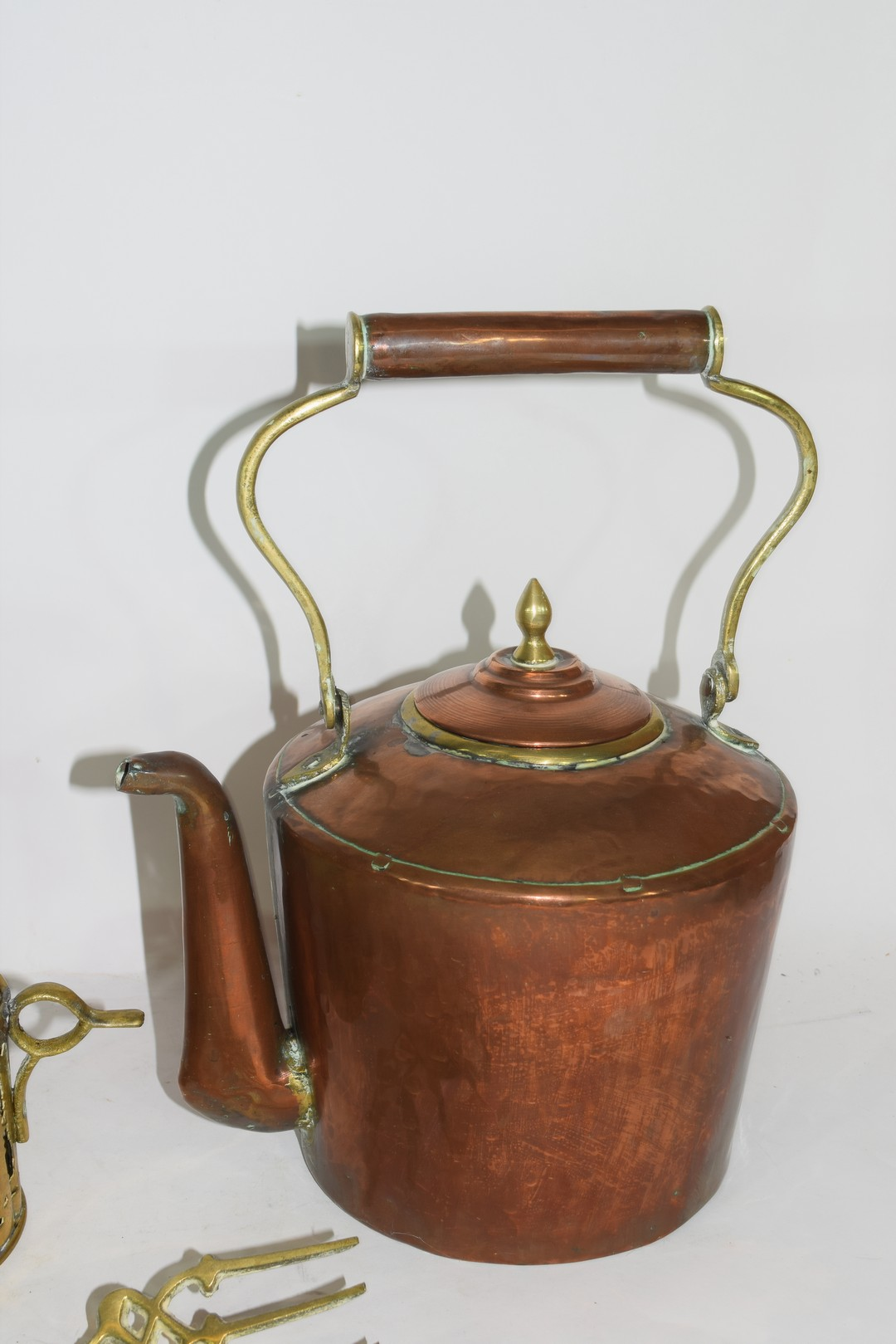 Mixed Lot of copper and brass wares comprising a Victorian warming pan, a kettle, two pairs of - Image 8 of 12