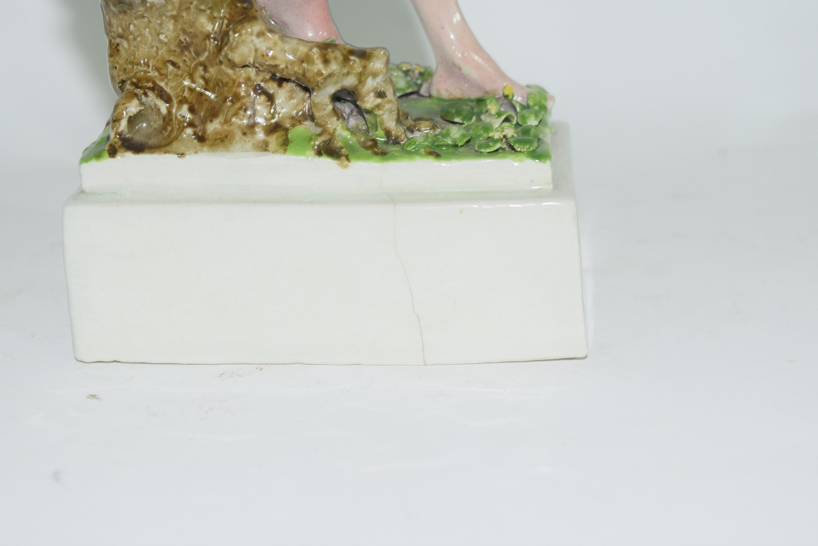 Chelsea Pottery model of a young boy - Image 5 of 6