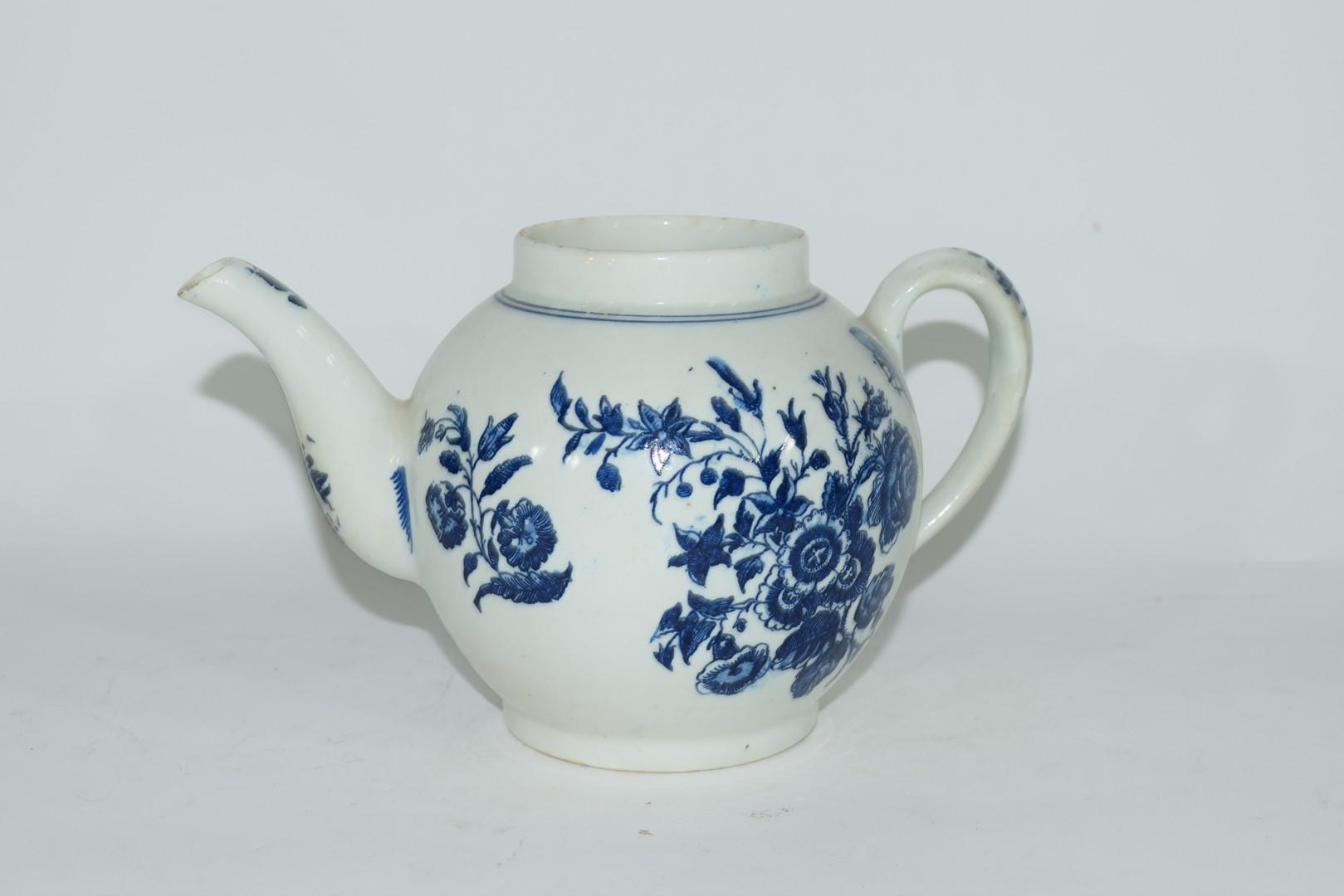 18th century Lowestoft porcelain teapot