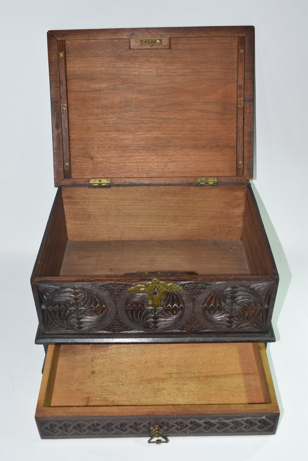 Late 19th/early 20th century Far Eastern table top box - Image 5 of 5