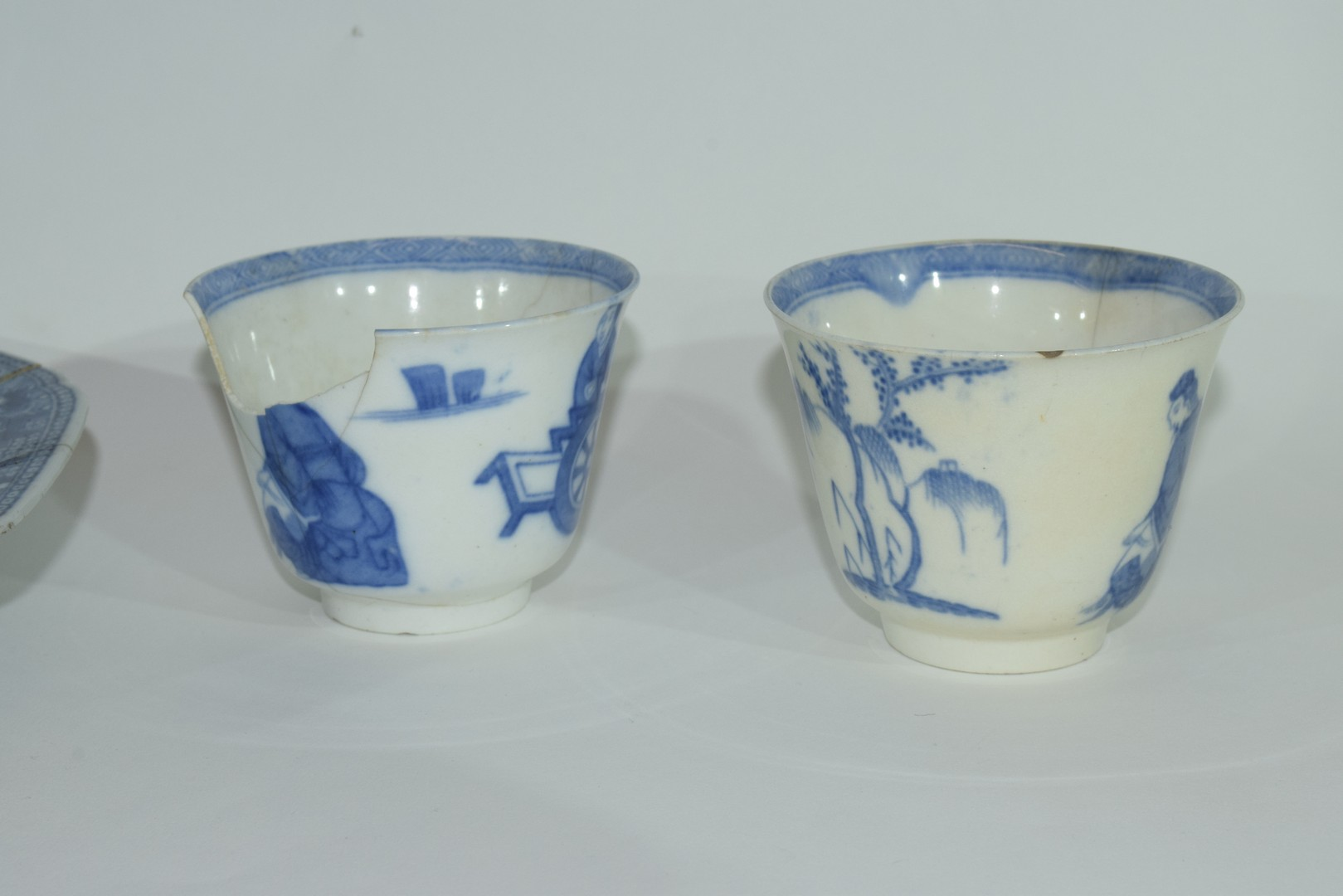 Group of Chinese export porcelain plates - Image 3 of 15