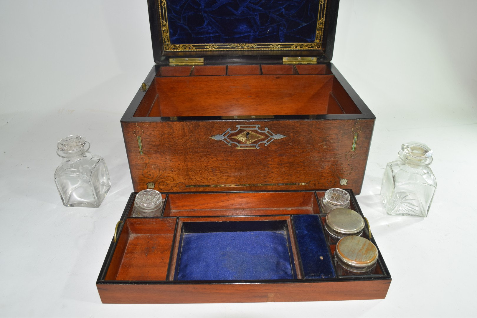 Late Victorian rosewood and mother of pearl - Image 6 of 7