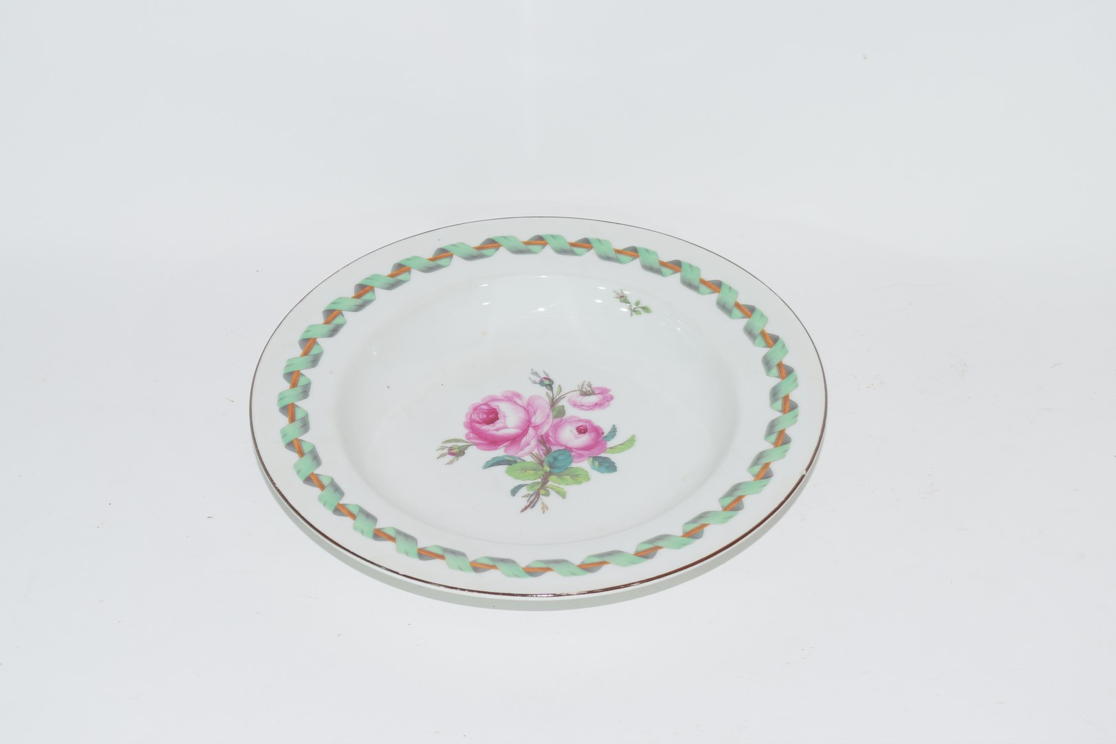 Berlin porcelain bowl decorated with central spray of roses