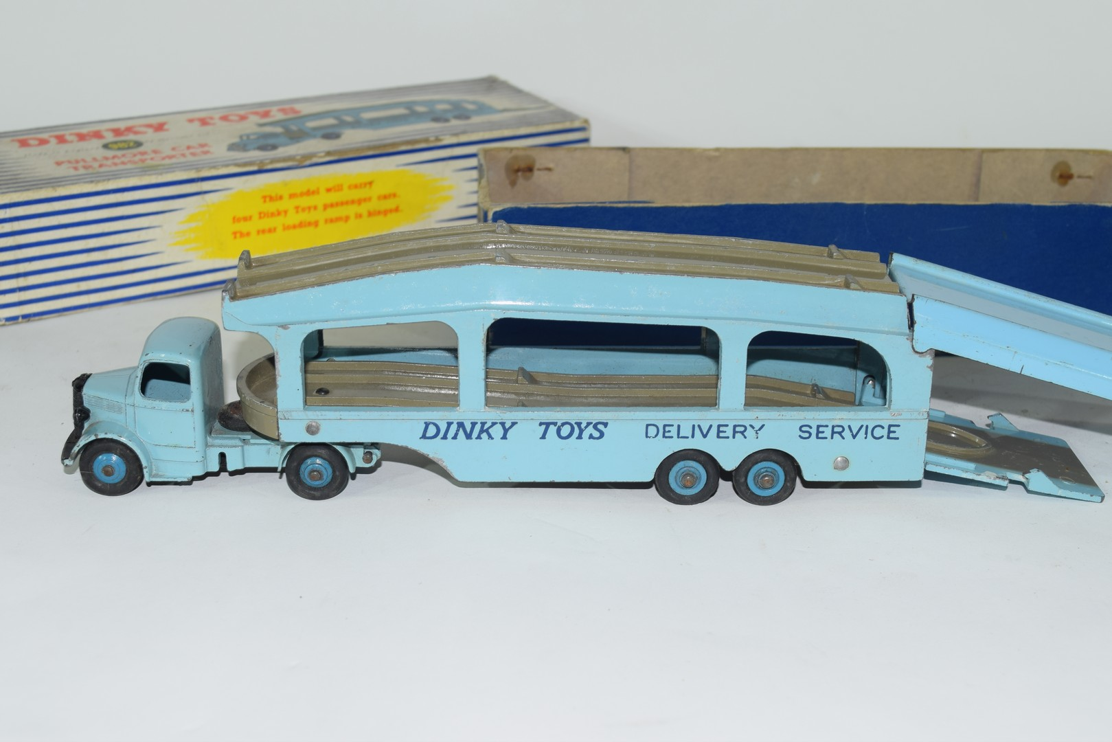 Dinky Pullmore car transporter No 982 and loading ramp, (994) - Image 3 of 7