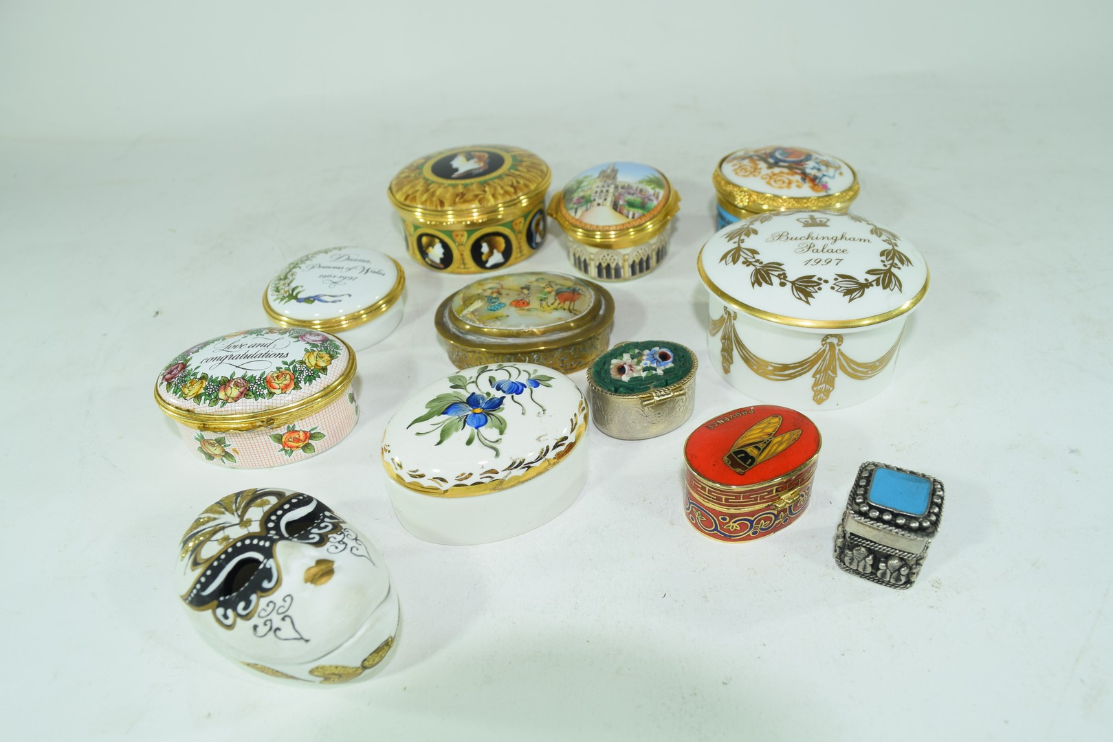 Mixed lot various small trinket and pill boxes - Image 2 of 6