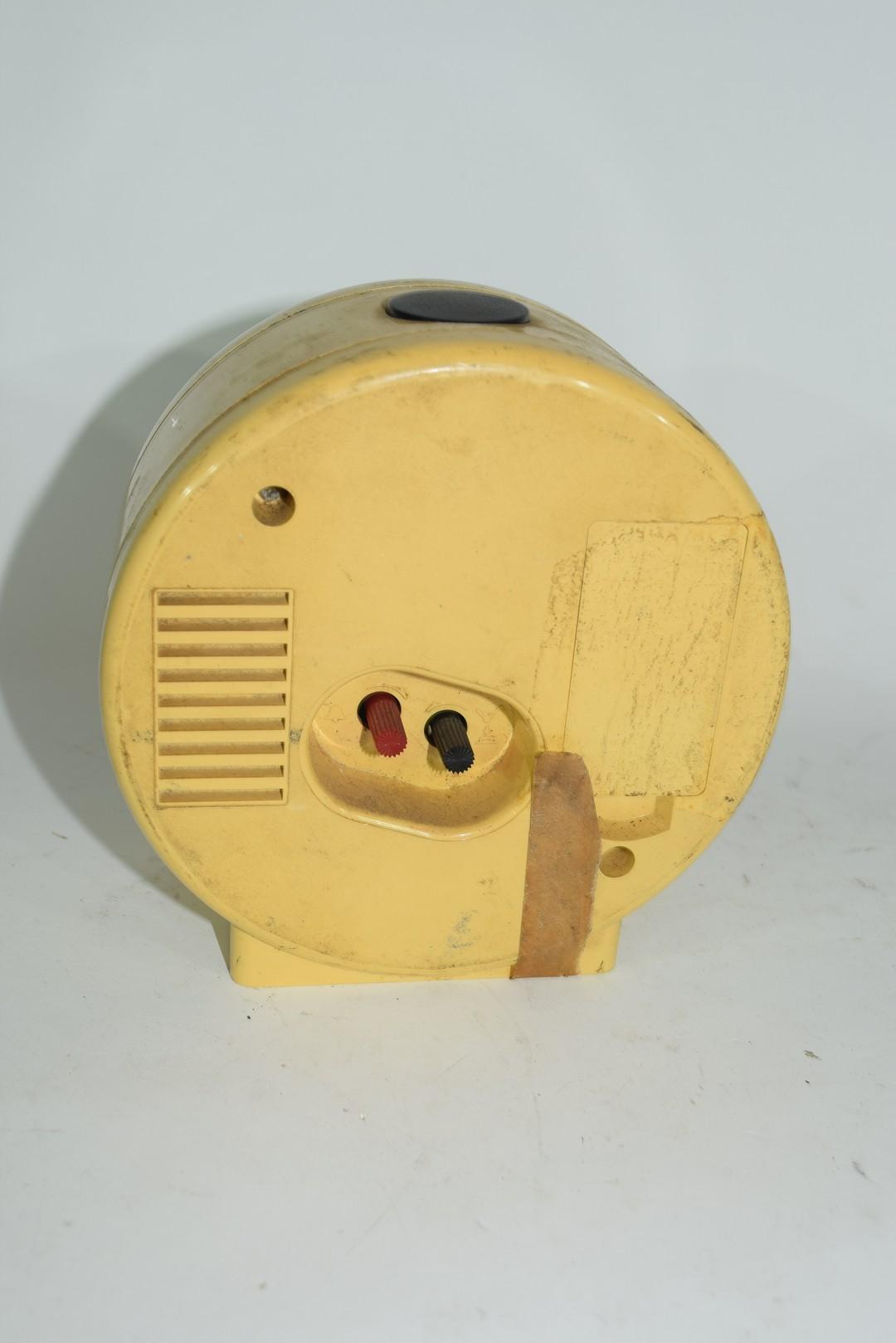 1950s Japanese plastic Orient quartz alarm clock - Image 2 of 3