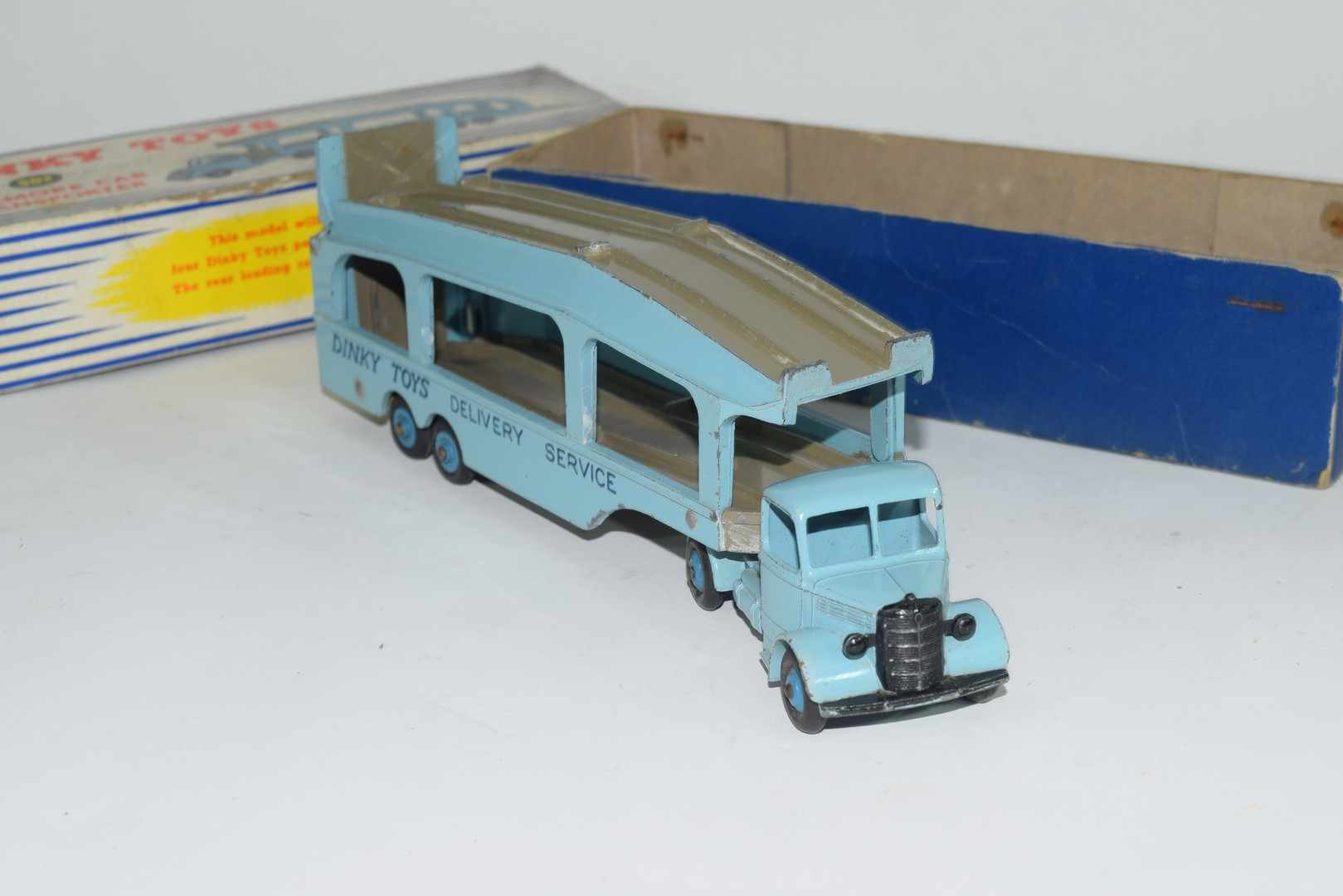Dinky Pullmore car transporter No 982 and loading ramp, (994) - Image 6 of 7