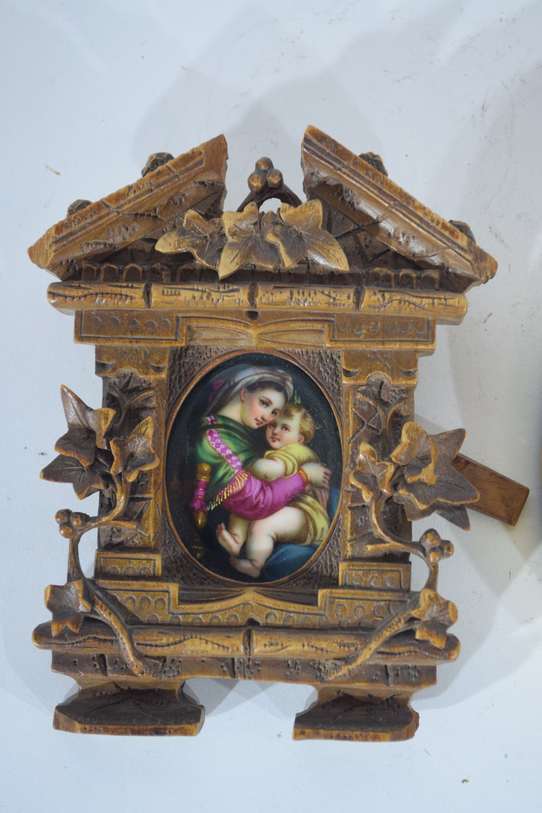 Oval picture of a maiden - Image 3 of 4