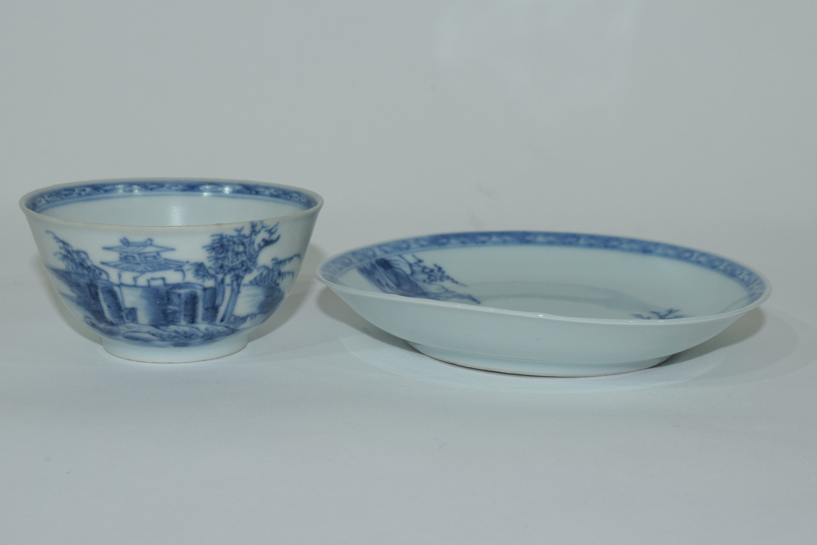 18th century Chinese porcelain Nanking Cargo tea bowl and saucer - Image 3 of 15