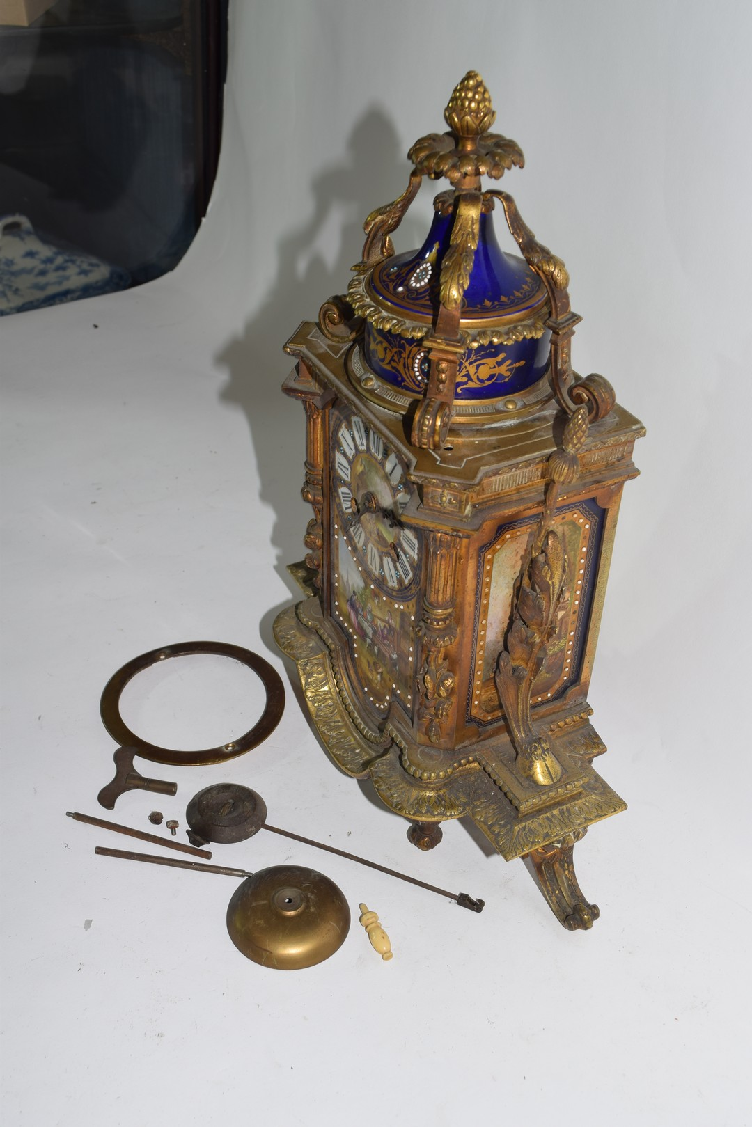 19th century French gilt metal clock with Sevres type porcelain panels - Image 3 of 5