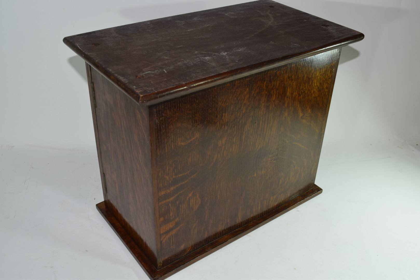 Late 19th century oak smokers cabinet - Image 3 of 5