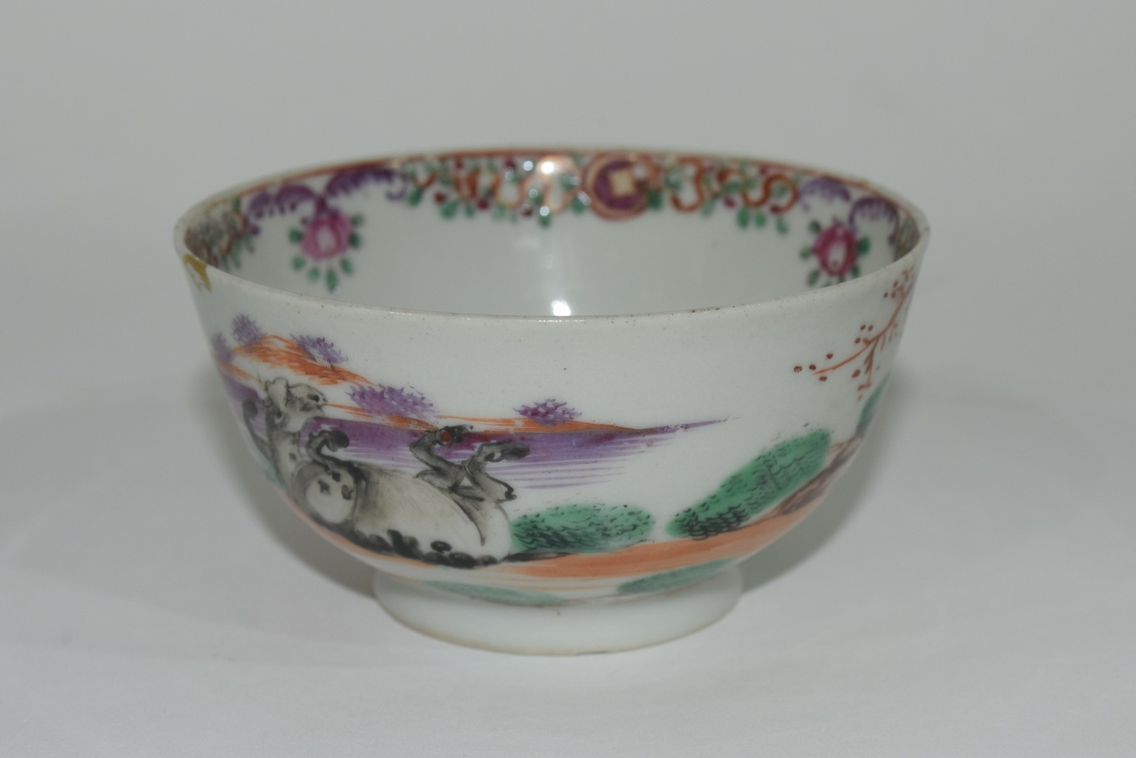 Small Chinese bowl, 18th century - Image 4 of 13