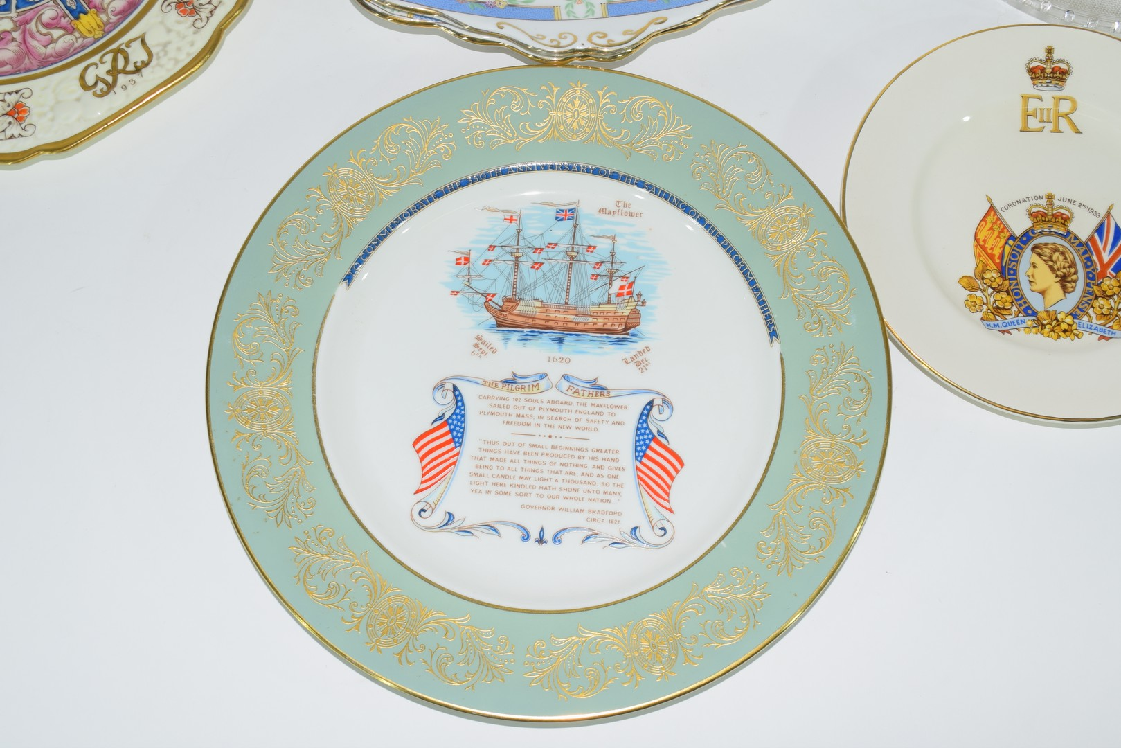 Group of decorative plates including a Paragon commemorative plate - Image 2 of 7