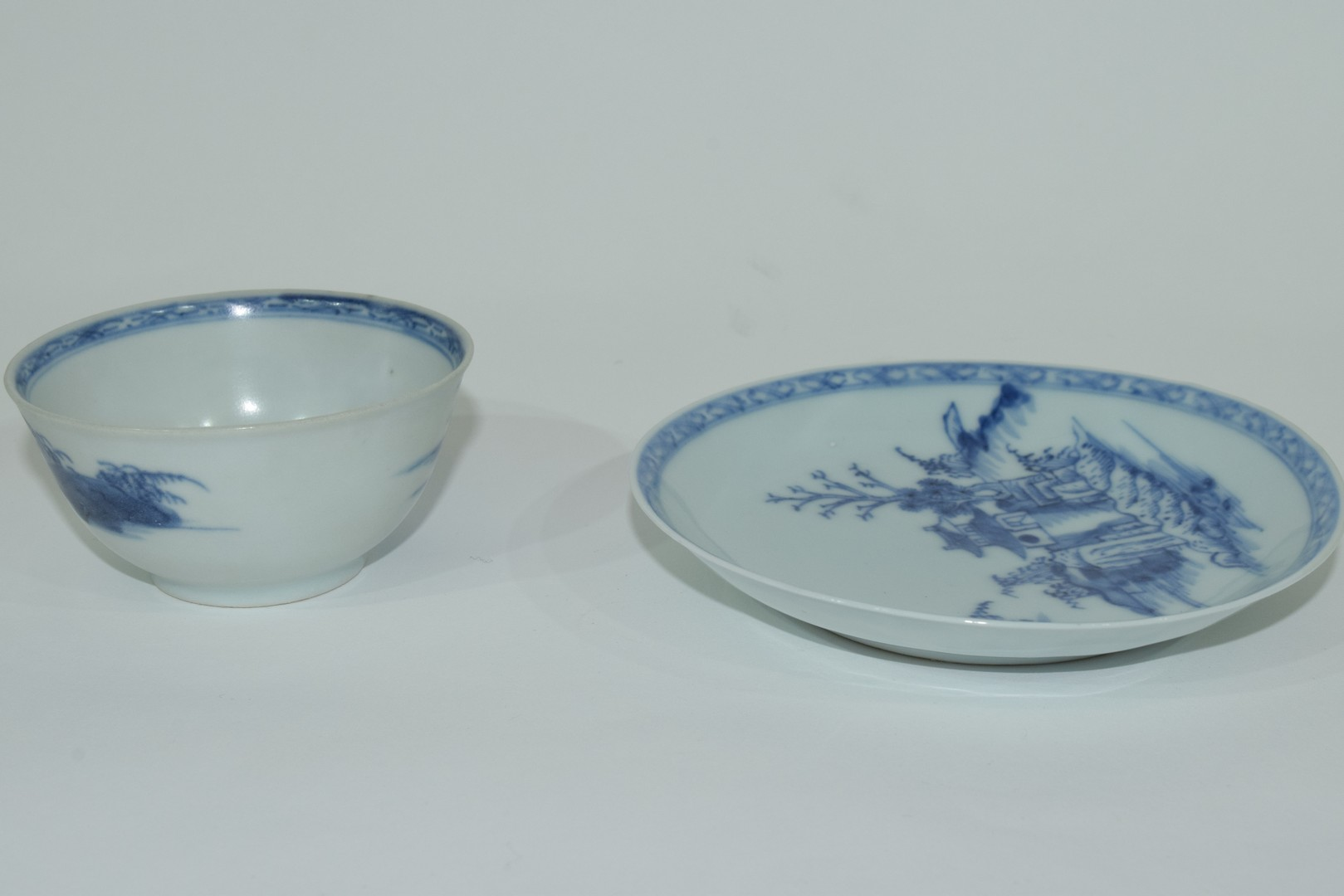 18th century Chinese porcelain Nanking Cargo tea bowl and saucer - Image 9 of 15