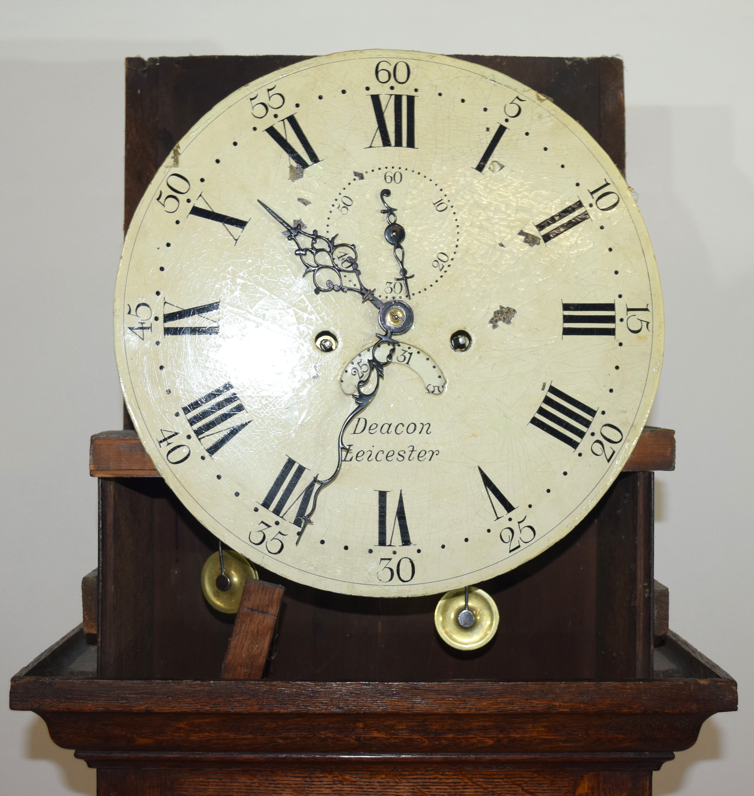 Deacon, Leicester, George III longcase clock with circular face with Roman and Arabic numerals and - Image 2 of 5