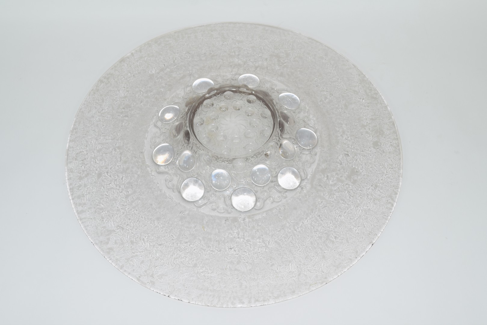 Large glass charger in Lalique style, - Image 4 of 4