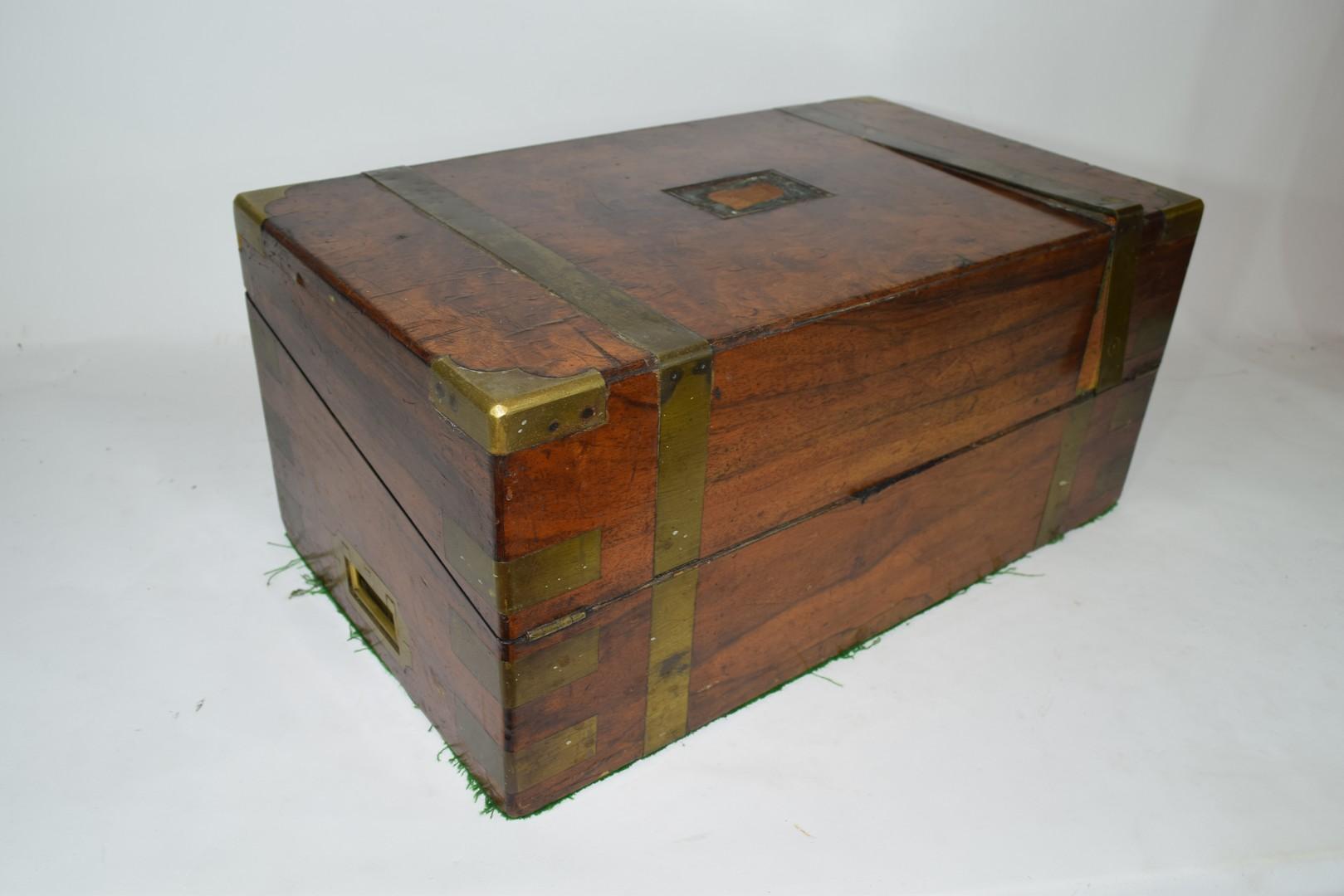Victorian walnut veneered and brass mounted writing box - Image 5 of 10