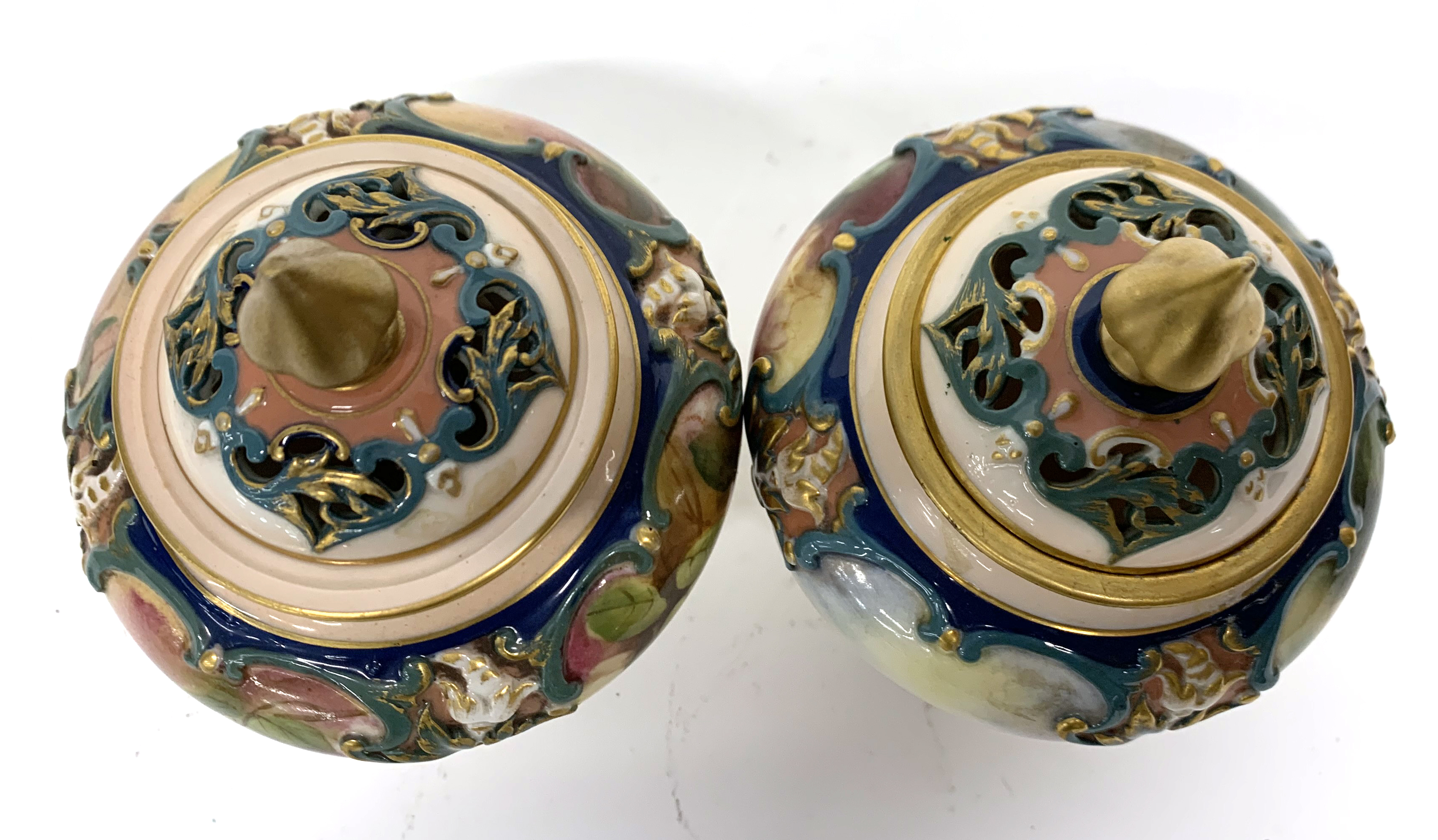 Pair of late 19th century Hadleigh Worcester vases a - Image 5 of 8