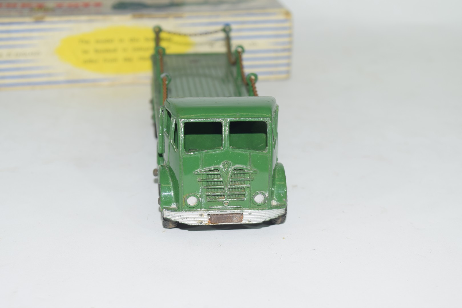 Dinky Supertoys Foden flat truck with chains, No 905 - Image 3 of 5