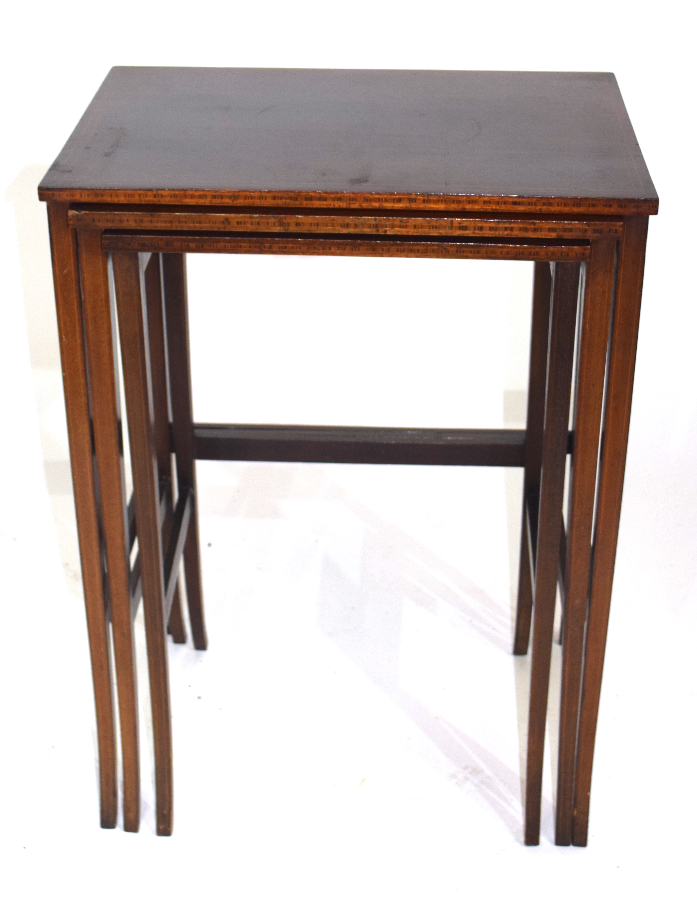 Nest of three Edwardian mahogany and inlaid occasional tables on slender legs, largest 49.5cm wide - Image 2 of 5