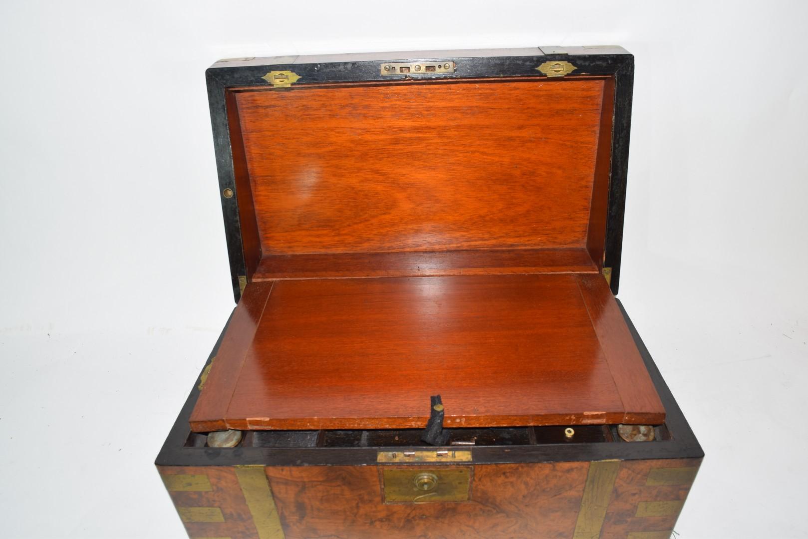 Victorian walnut veneered and brass mounted writing box - Image 6 of 10