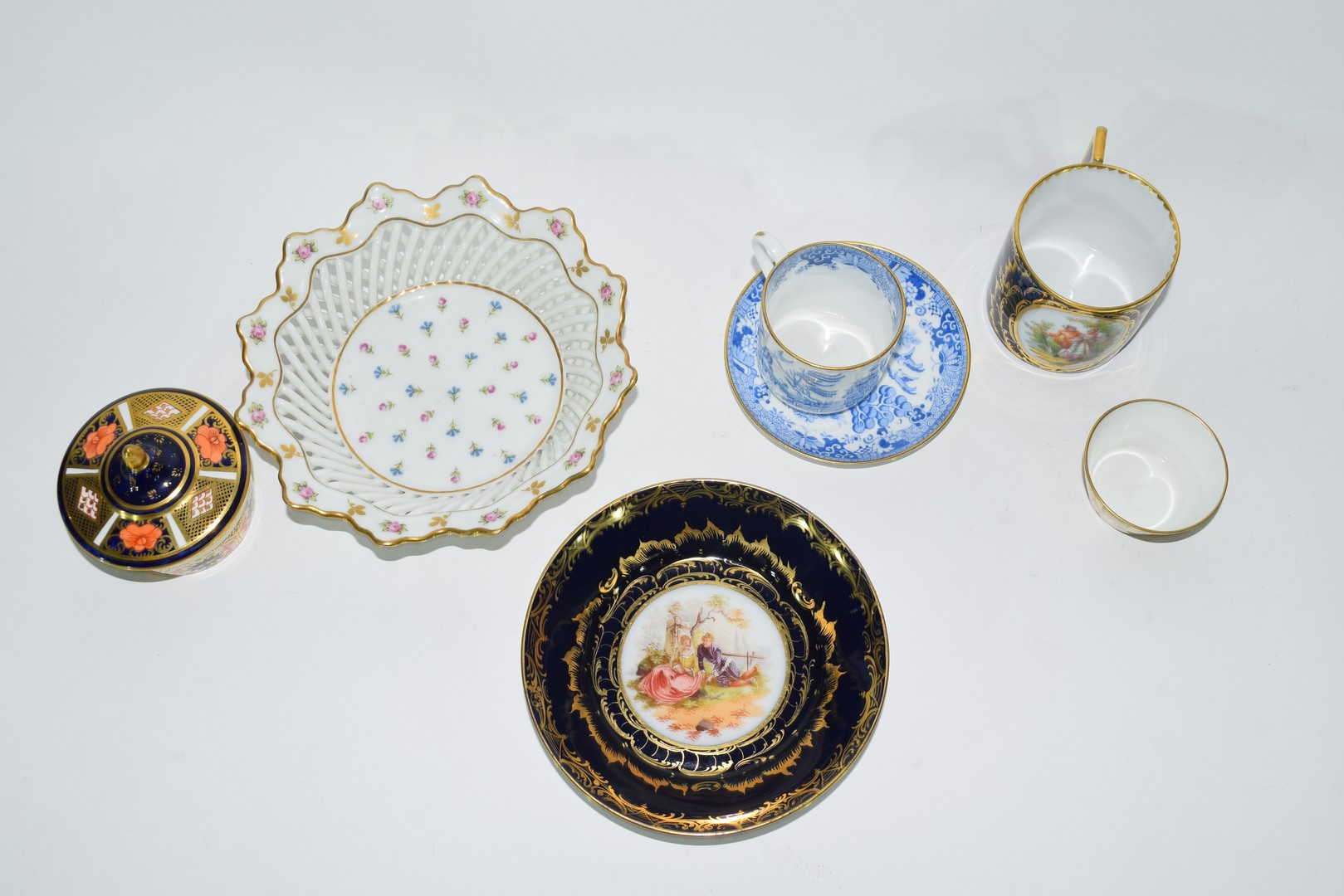 Group of Continental porcelains including a Vienna style cup and saucer - Image 2 of 12