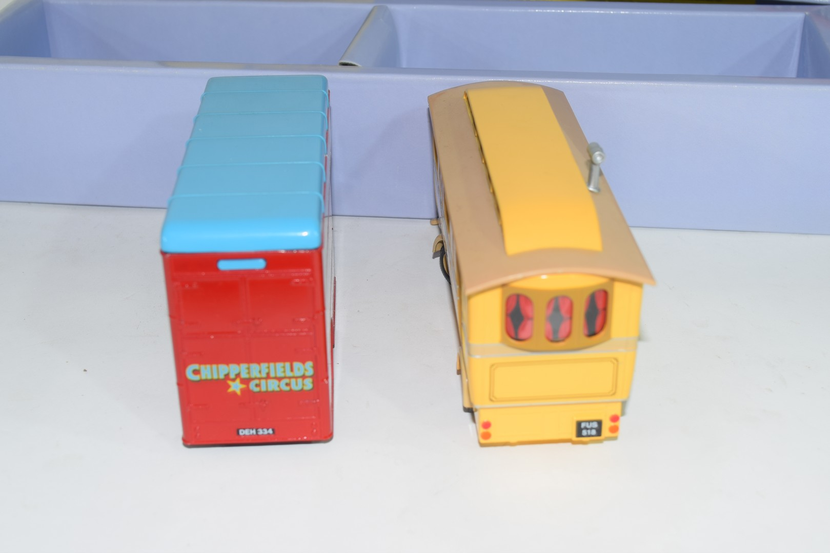 Corgi boxed model of a Chipperfields Circus lorry and caravan No 97888 - Image 5 of 5