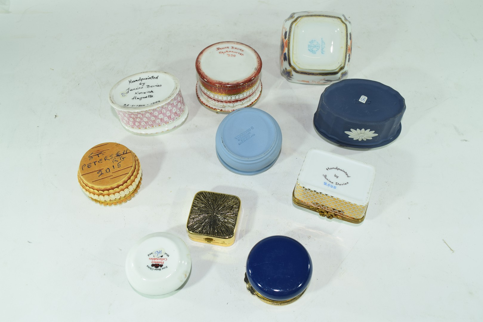 Various small trinket boxes to include Wedgwood jasperware - Image 3 of 4